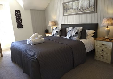 Luxury rooms with bed and breakfast in Beddgelert, Snowdonia, Wales